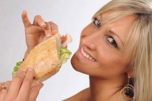 foto food donna panino