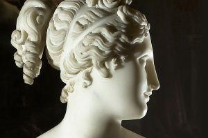 servizio fotografico operad'arte  statua Antonio Canova-venere italica