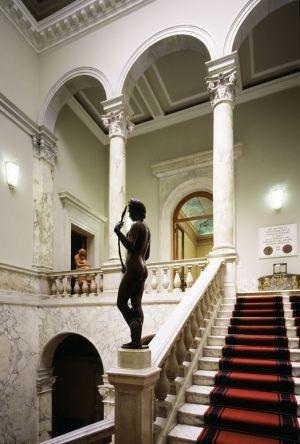 Fotografia architettonica scalinata villa